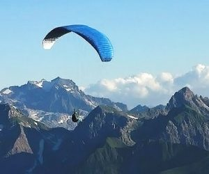 Paragliding - Tandem fly from the Mountain to Inneralpbach